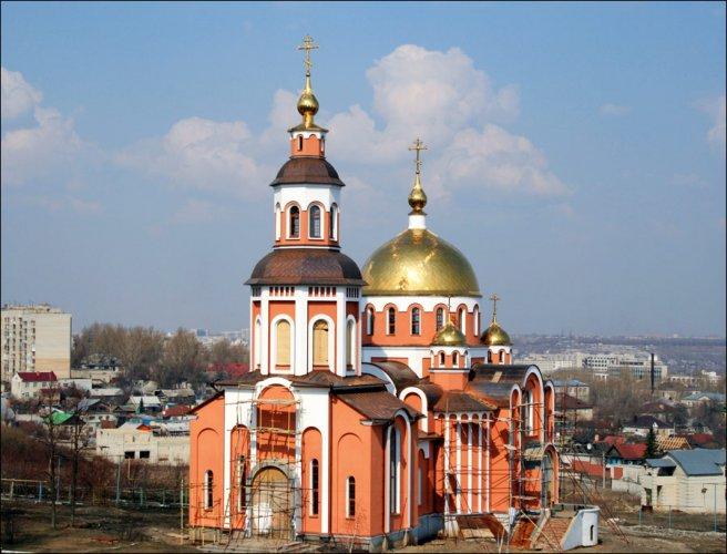 كنيسة ساراتوف