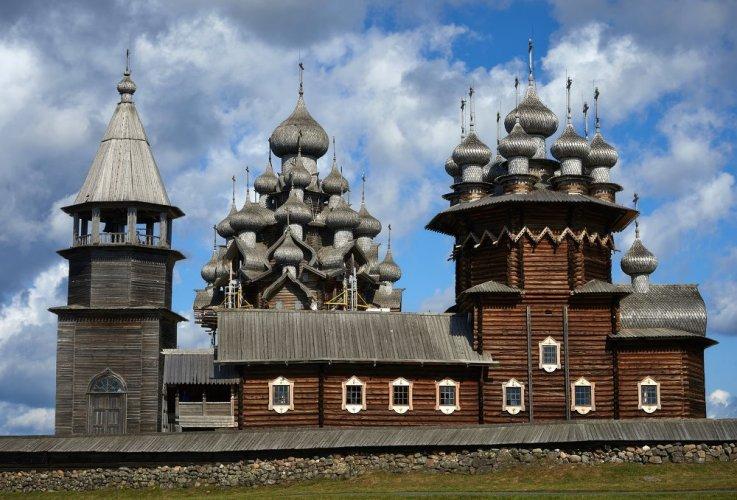المعمار في مدينة الكنائس الخشبية