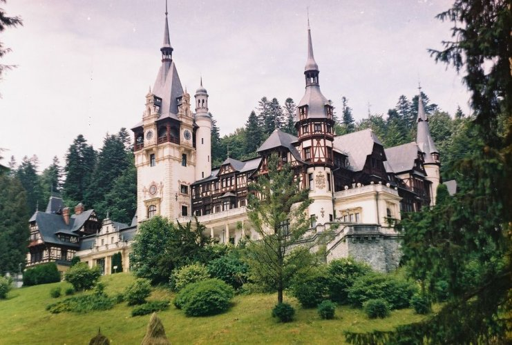 قصر بيليش