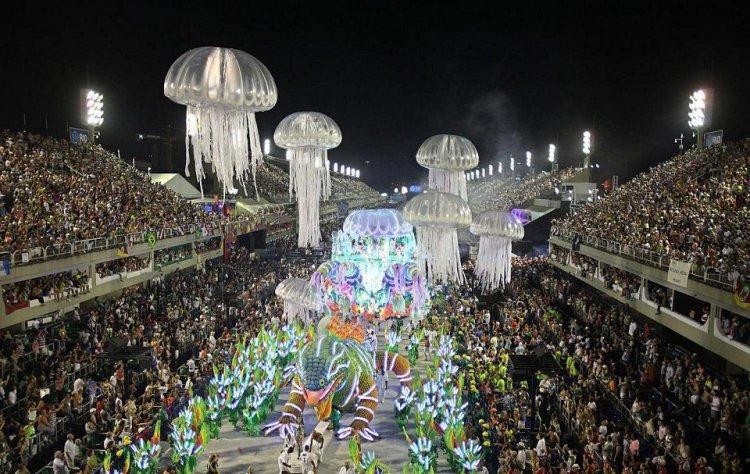 كرنفال ريو دي جانيرو البرازيل