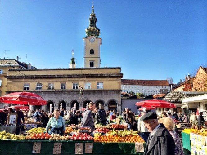 سوق دولاتش في زغرب - كرواتيا