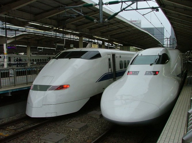 القطارات فى سريلانكا