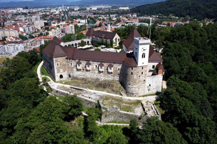 الطبيعة حول قلعة ليوبليانا