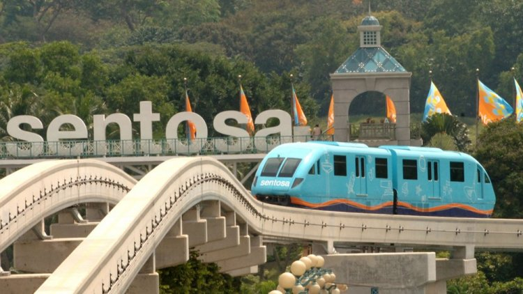 القطارات في سنتوسا
