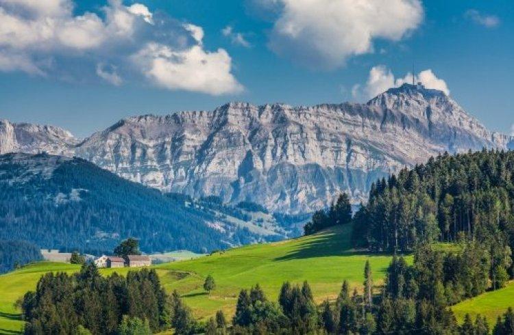 سحر الطبيعة في ابنزل سويسرا