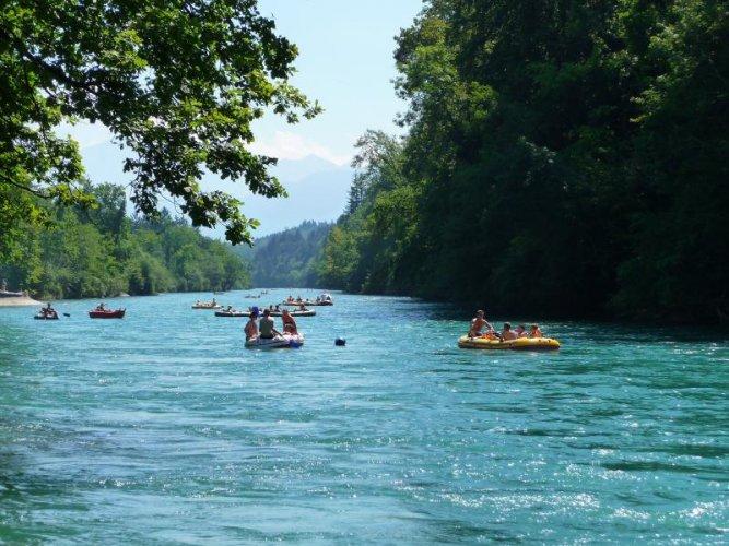 نهر أر في سويسرا