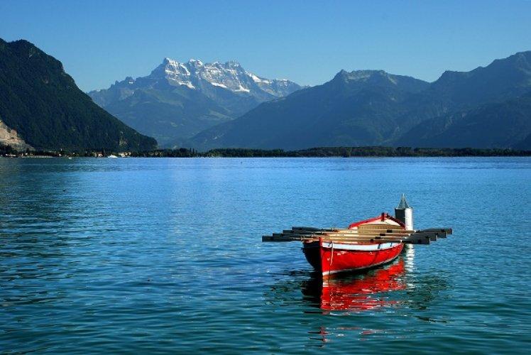 بحيرة ليمان في سويسرا