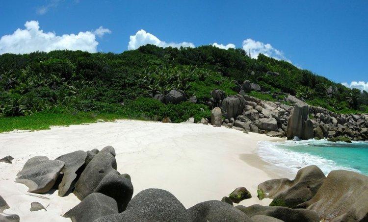 شاطئ انس مارون في جزيرة لا دييغو