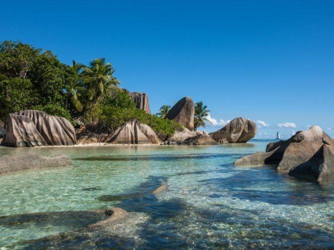 صخور الجرانيت بجزيرة لا ديغو