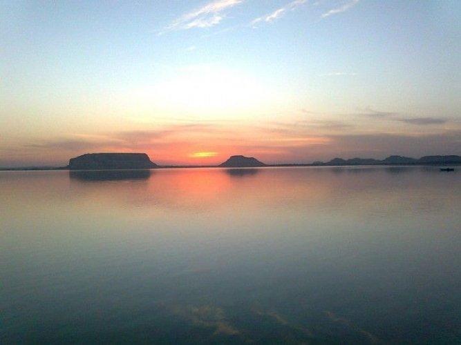 بحيرة طغاغين