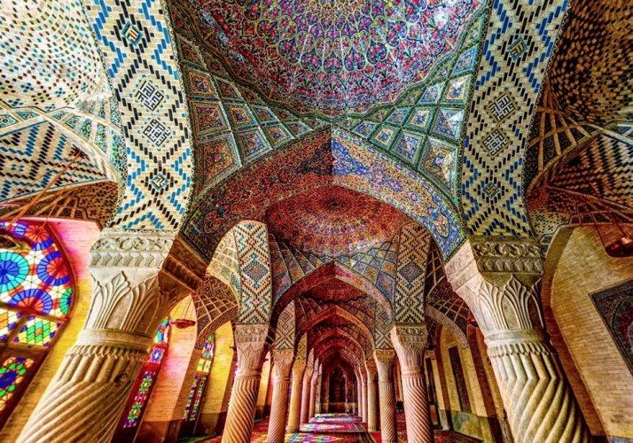مسجد نصير الملك في شيراز إيران