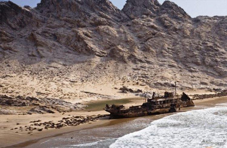مشاهد طبيعية في ساحل الهياكل العظمية
