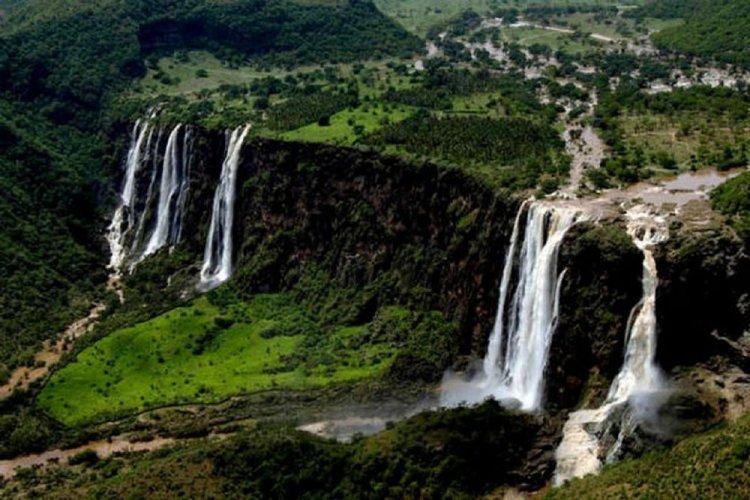 وادي دربات في سلطنة عمان