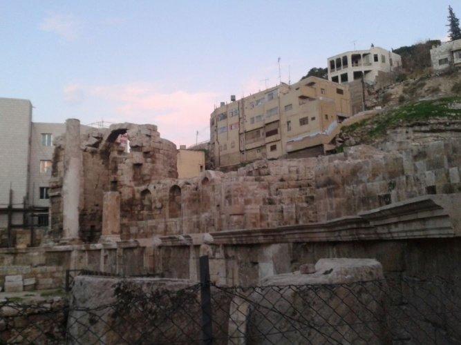 سبيل الحورياتفي الأردن