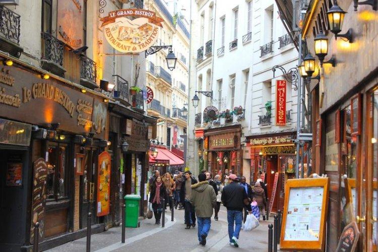 الحي اللاتيني في باريس - فرنسا