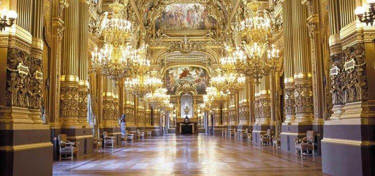 قصر غارنييه في مدينة باريس