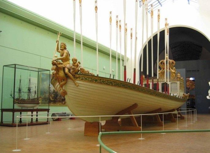 المتحف البحري في مدينة تولون الفرنسية