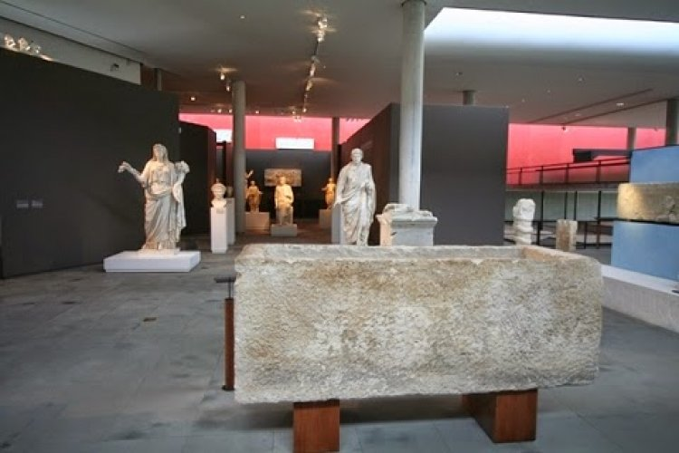 متحف القديم آرل Arles Museum Of Antiquity