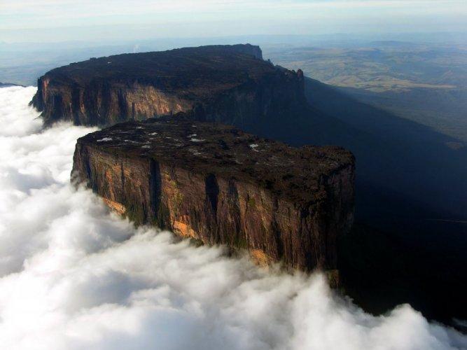 جبل رورايما في أمريكا الجنوبية