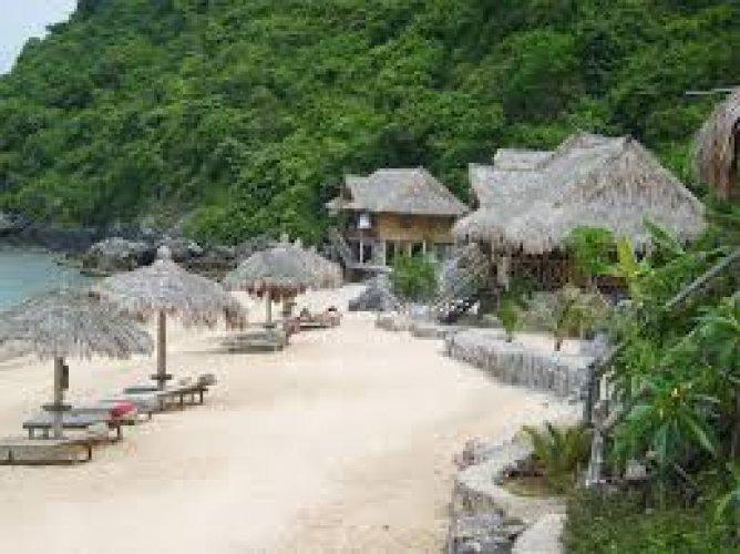 الرمال الناعمة والغابات الكثيفة والطبيعة البكر في جزيرة كات با