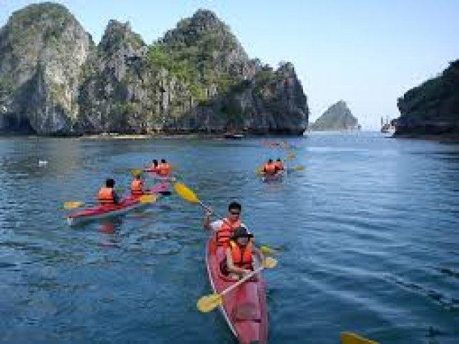 القيام برحلة بحرية في جزيرة كات با