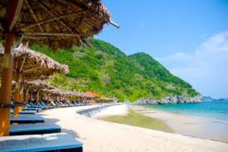 خليج هالونج الرائع في جزيرة كات با