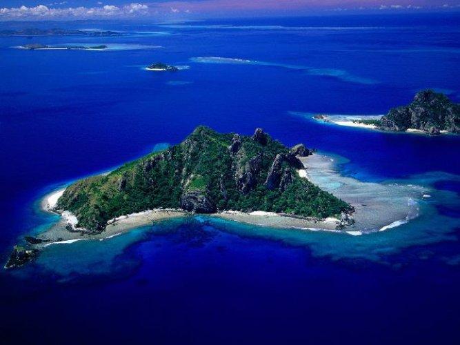 جزر لومايفيتي المكان المثالي لتجربة الحياة والعيش في جزيرة جميلة