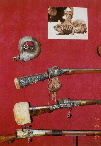 بعض معروضات متحف السلاح الدوحة في قطر
