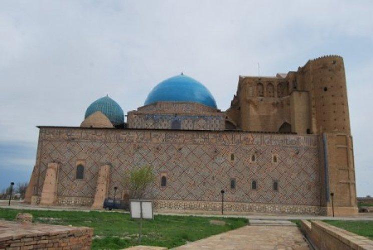 ضريح خوجة أحمد يسوي في كازاخستان