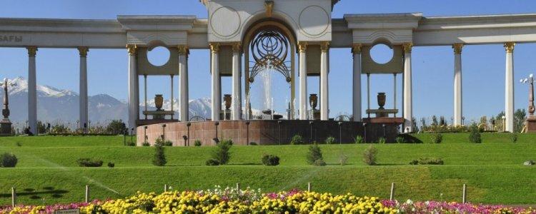 الطراز الكازاخستاني في ألماتي