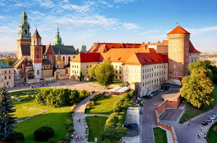 قصر فافل الملكي في مدينة كراكوف - بولندا