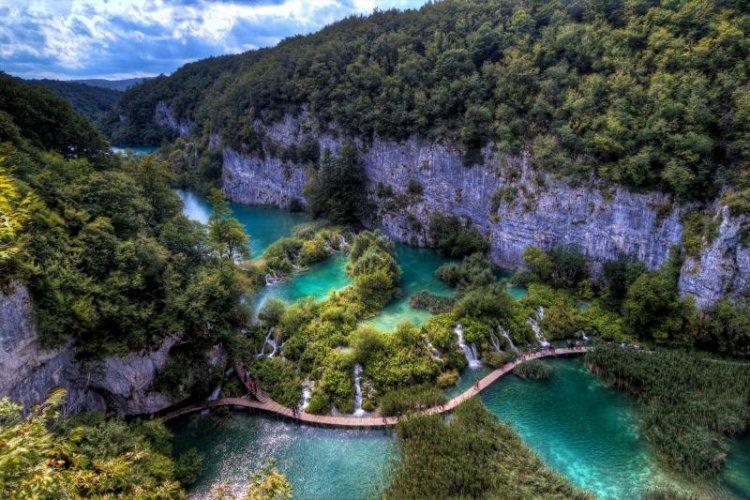 الطبيعة الخلابة في بحيرات بليتفيتش