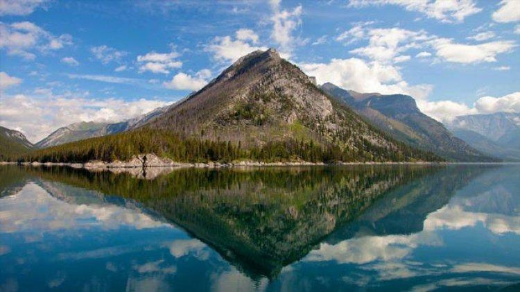 بحيرة مينيوانكا كندا