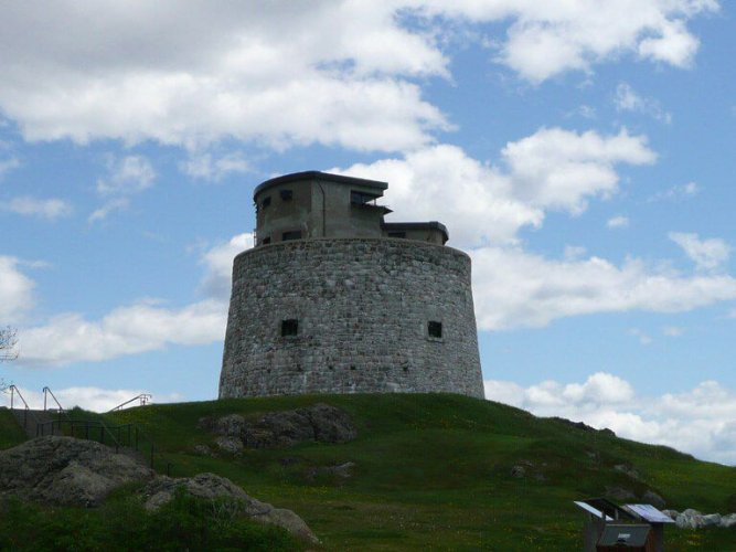 برج كارلتون تاور مارتيلو Carleton Martello Tower
