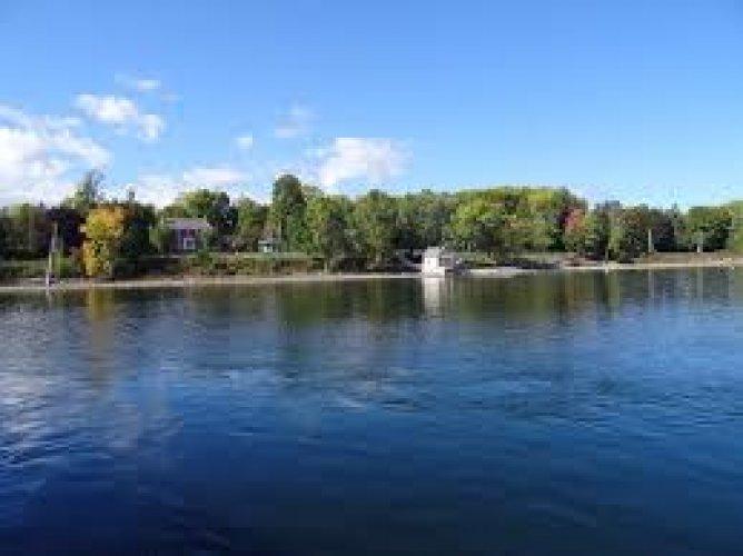 بحيرة شامبلين في أمريكا الشمالية