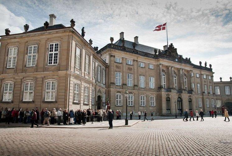 قصر املينبورج في كوبنهاجن - الدنمارك