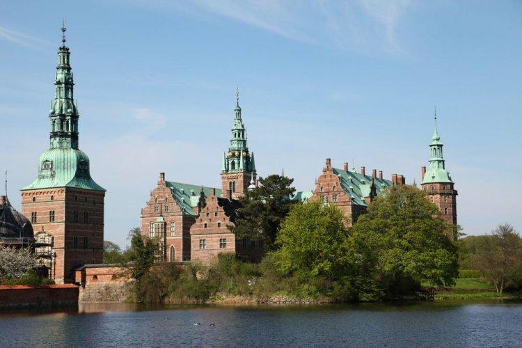 قصر وحدائق فردريكسبورج