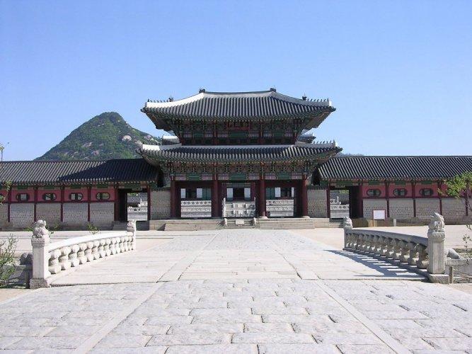 قصر غيونغبوك في سيؤول - كوريا الجنوبية
