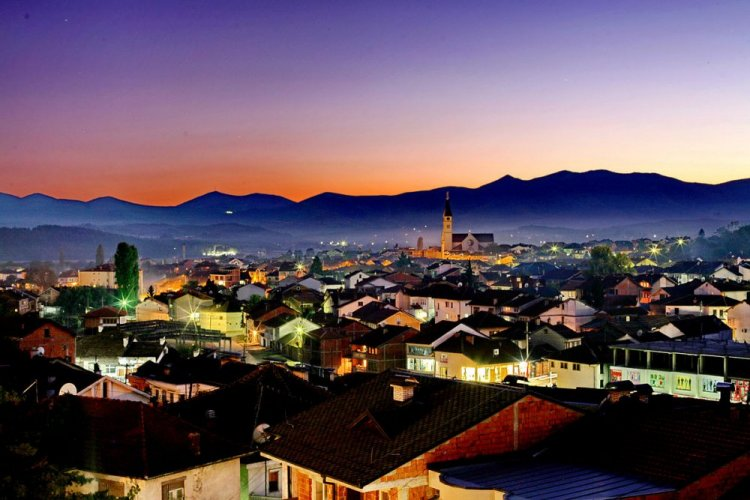 جولة في مدينة جاكوفا في جمهورية كوسوفو