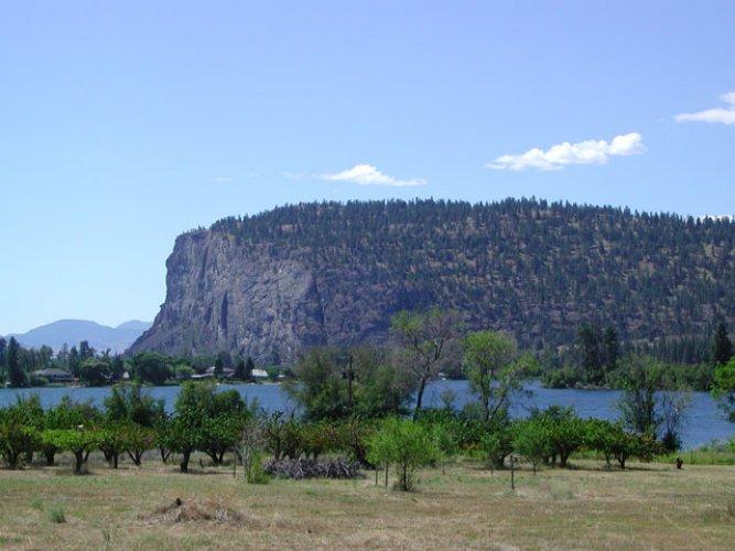 حديقة بحيرة فاسيكوس الريفية