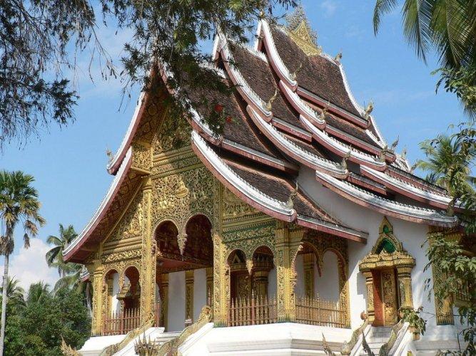 معبد بوذي في القصر الملكي في لوانغ برابانغ