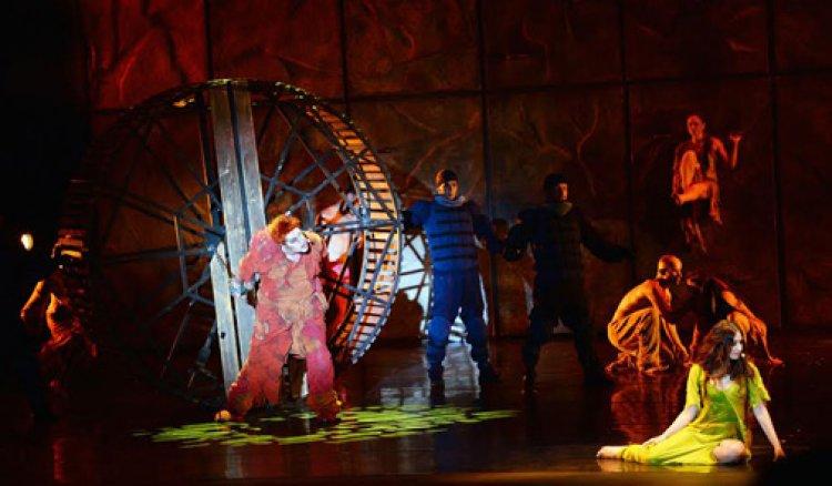 عرض نوتردام دي بارى في مهرجان جونية الدولية