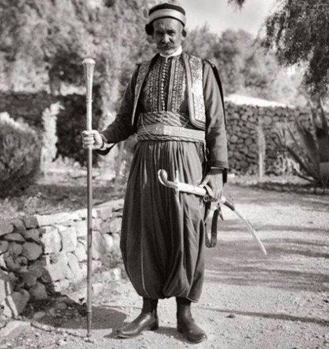 الزي التقليدي اللبناني للرجل