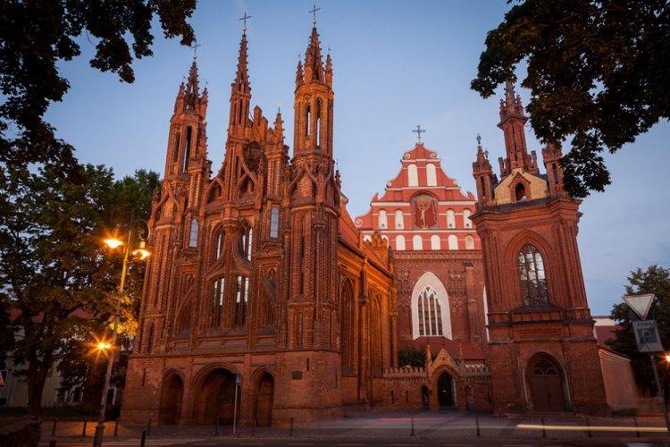 كنيسة سانت انيس فلنيوس