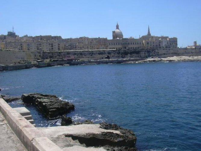 جزيرة مالطا إيطاليا