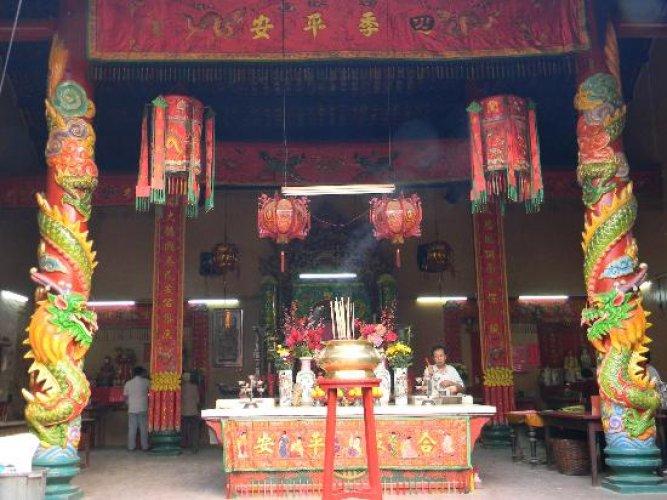 معبد كوان تي من الداخل