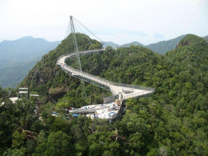 جسر لانكاوي سكاي في ماليزيا