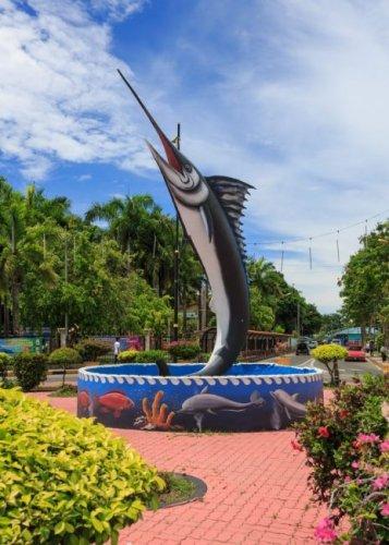 ميدان سمكة السيف الشهير في مدينة سيمبورنا