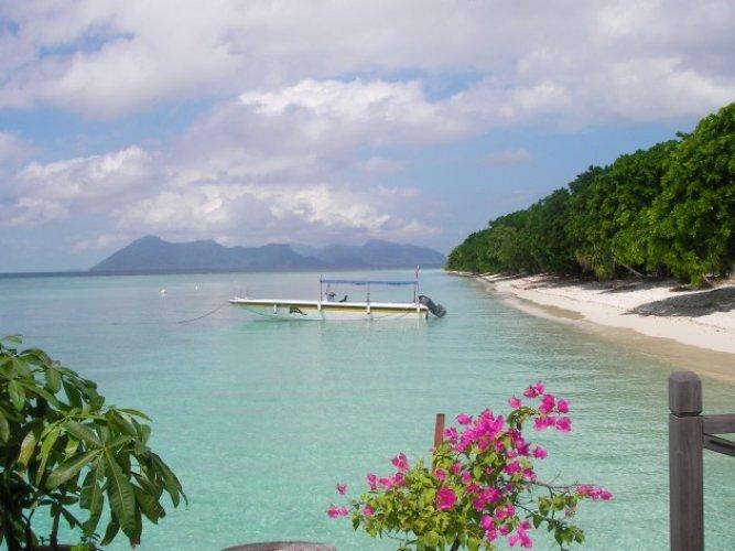 احد شواطئ جزيرة بولا بوم بوم في ماليزيا