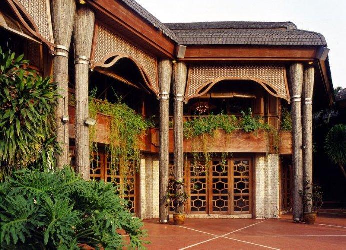 قصر جوز الهند في مانيلا - الفلبين